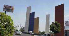 Türme am Queretaro Highway, 1957 von Luis Barragan in Mexico City